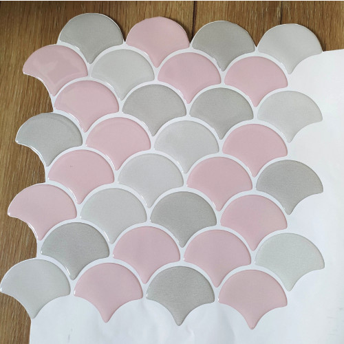 Placa de Pastilha Adesiva Resinada Escama Cinza e Rosa- 28,5cm x 28,5cm