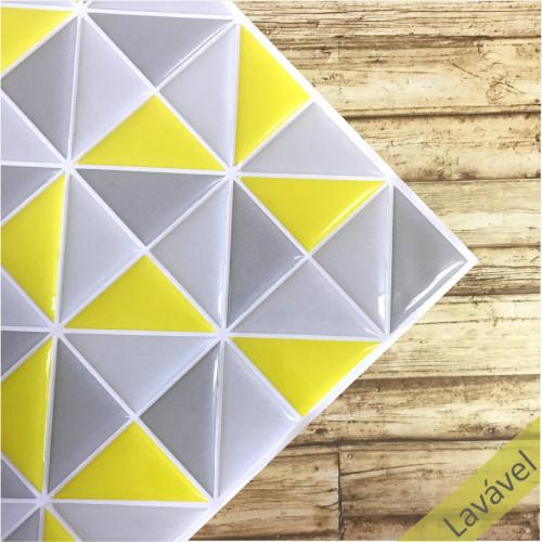 Placa de Pastilha Adesiva Resinada Triângulo Amarelo e Cinza - 28,5cm x 28,5cm