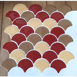 Placa de Pastilha Adesiva Resinada Escama Vermelho Creme e Ocre Rejunte Branco - 28,5cm x 28,5cm