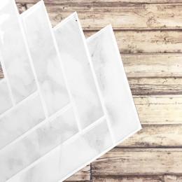Placa de Pastilha Adesiva Resinada Espinha de Peixe Mármore Claro - 30cm x 30cm
