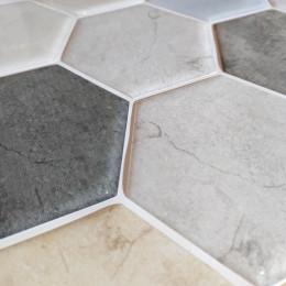 Placa de Pastilha Adesiva Resinada Hexagonal Max Mármore Clássico- 30cm x 30cm